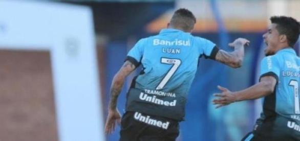 Luan marcou o segundo gol, ampliando o placar.