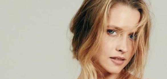 La bella Teresa Palmer, protagonizta de Lights Out