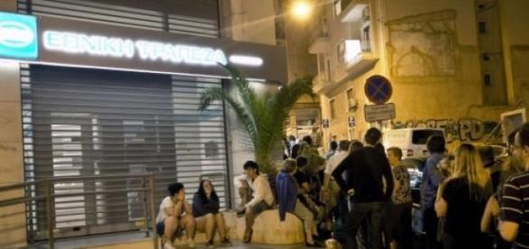 No sábado, 2000 ATM ficaram sem dinheiro