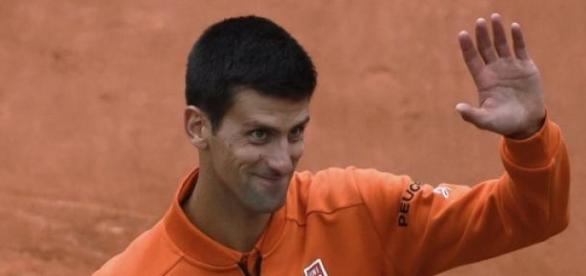 Djokovic continúa a paso firme