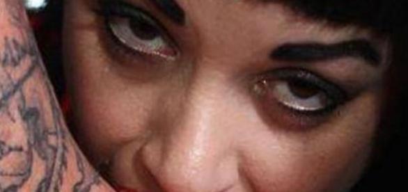 O femeie care se crede vampir a fost arestată