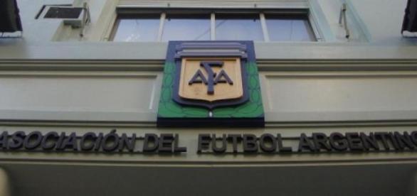 La Confederación Sudamericana de papelones