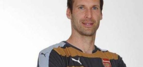Petr Cech nowym zawodnikiem Arsenalu.
