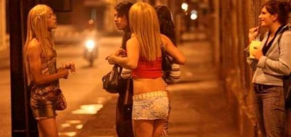 Prostituată de lux acuză un funcţionar român!