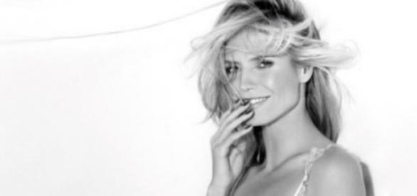 Heidi Klum flirtet mit AGT-Moderator Nick Cannon.