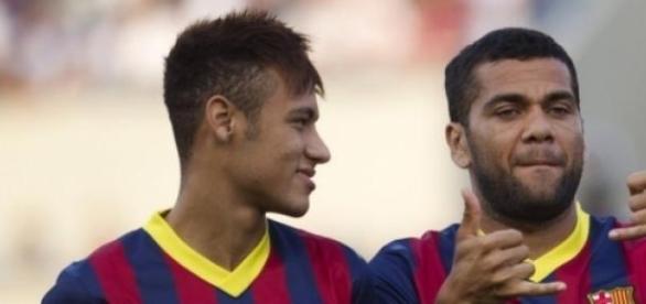 Neymar pede a diretoria para ele ficar.