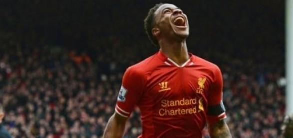 Sterling celebrando un gol con el Liverpool