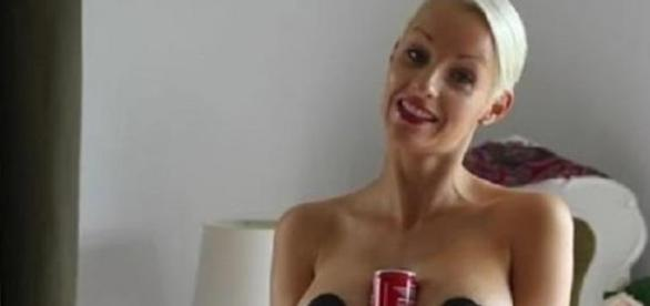 holda coke with your boobs lié au cancer du sein ?