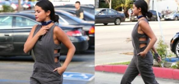 Selena Gomez passeou elegância nas ruas de LA