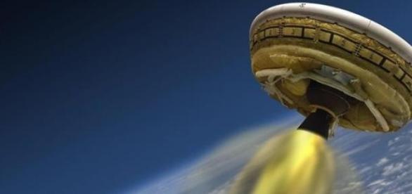 Modul spaţial LDSD; Foto credit: NASA/JPL-Caltech