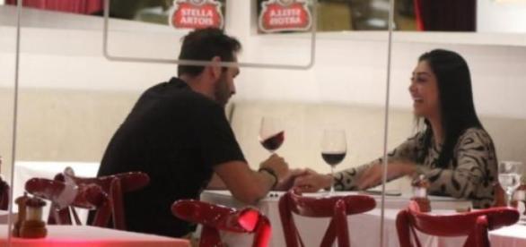 Amanda e Gustavo Bernardes jantam juntos