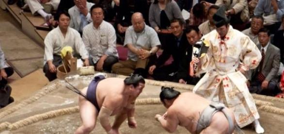 Esporte também é praticado fora do Japão