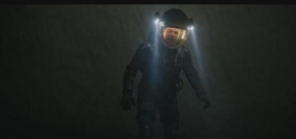 Mark Watney en plein tempête martienne.