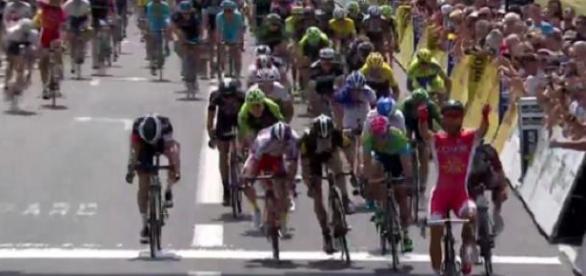 Nacer Bouhanni remporte la 2e étape du Dauphiné !
