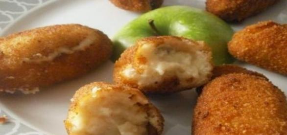 Deliciosas croquetas elaboradas con manzana