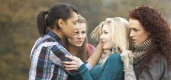 Existen casos de bullying fuera del ámbito escolar