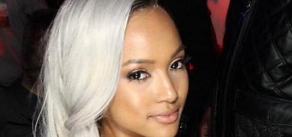 Model Karrueche Tran ist jetzt Single und blond.