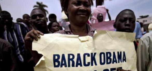 Cartazes contra o presidente Barack Obama
