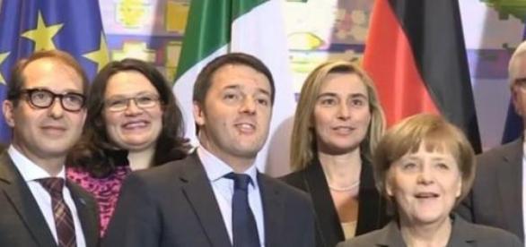 Ultimi sondaggi politici, Renzi sprofonda