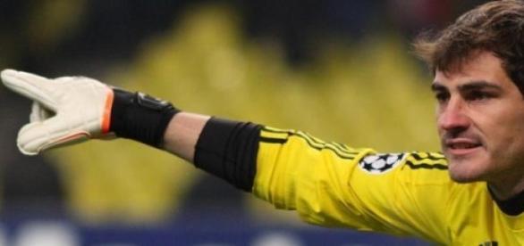 Iker casillas pone rumbo al Oporto