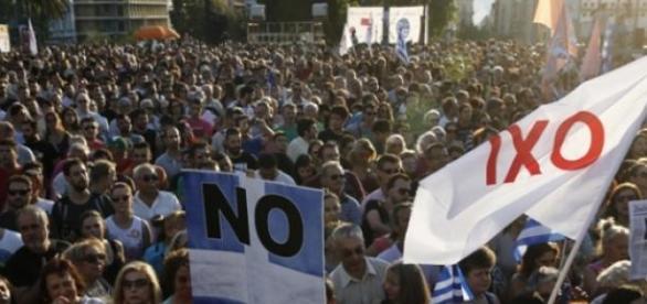 Con el 62% de los votos se impuso el NO al ajuste