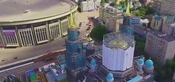 Trwa budowa meczetu katedralnego.