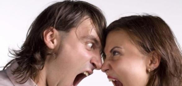 Enojos y discusiones en una pareja