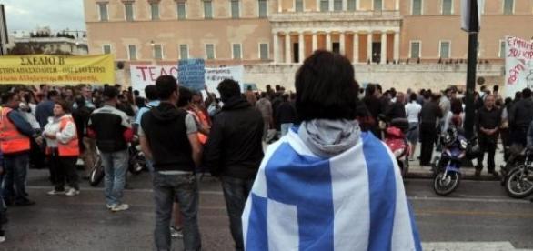 Grecia costretta all'accordo, ora tocca ad Atene