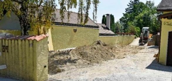 O emigrante trabalhava na construção civil.