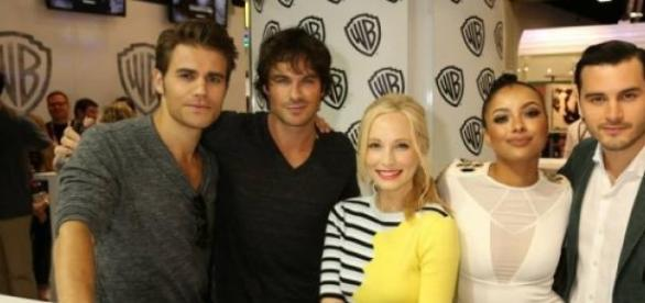 O elenco de 'The Vampire Diaries' na Comic-Con