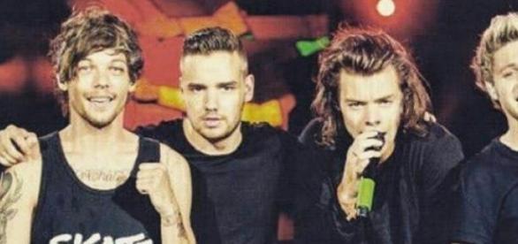 One Direction mit Louis Tomlinson und Harry Styles