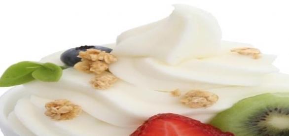 Sformato di yogurt alla pesca fragola-ananas