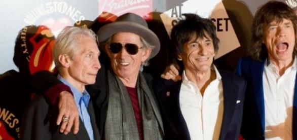 Watts, Richards, Wood y Jagger, listos para vovler