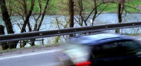 4885 zabranych praw jazdy za prędkość