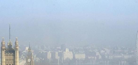 poluarea din londra ii faina rauuuu!