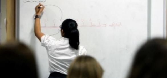 """""""Perlele"""" profesorilor la examenul de titularizare"""