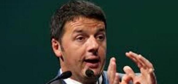 Renzi parla all'assemblea PD