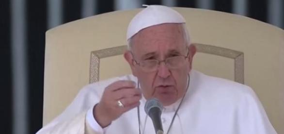 Papa Francesco durante Enciclica