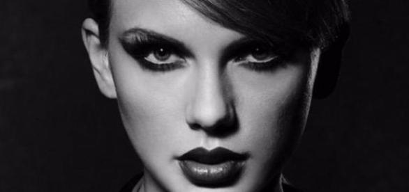 Taylor Swift em Bad Blood.