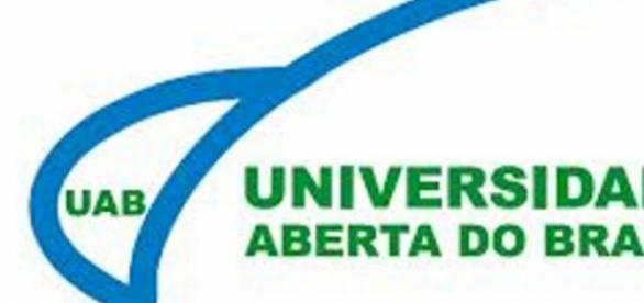 UaB, com vagas para curso de Mestrado em Letras