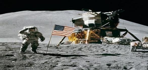 Misión espacial en la Luna