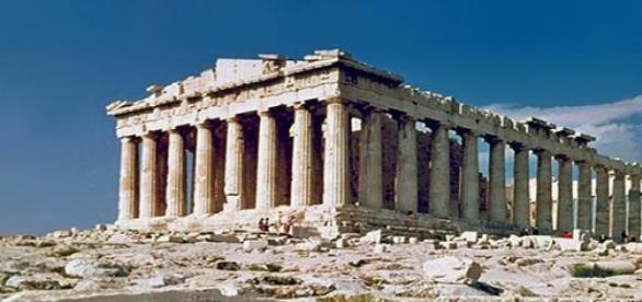 Partenón en la ciudad de Atenas