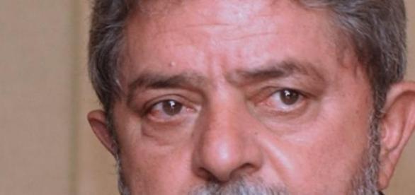 Ex-presidente Lula é alvo da Lava-Jato