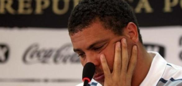 Ronaldo se envolve em nova polêmica com travesti
