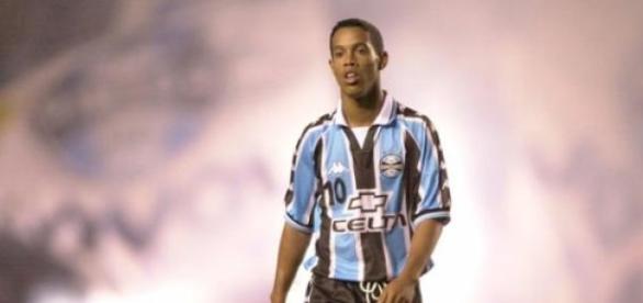 Grêmio foi o primeiro clube de Ronaldinho Gaúcho