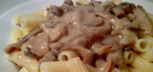 Imagen de pasta con salsa de setas