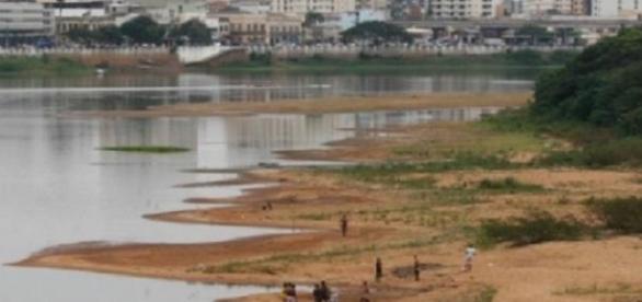 Nível do rio compromete agricultura