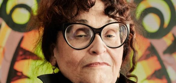 A artista plástica Judith Bernstein: pulsante