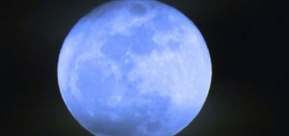 """Luna """"albastră"""" , vineri 31 iulie 2015"""
