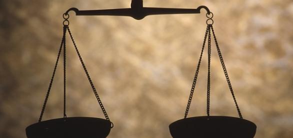 Presupune democrația un echilibru?